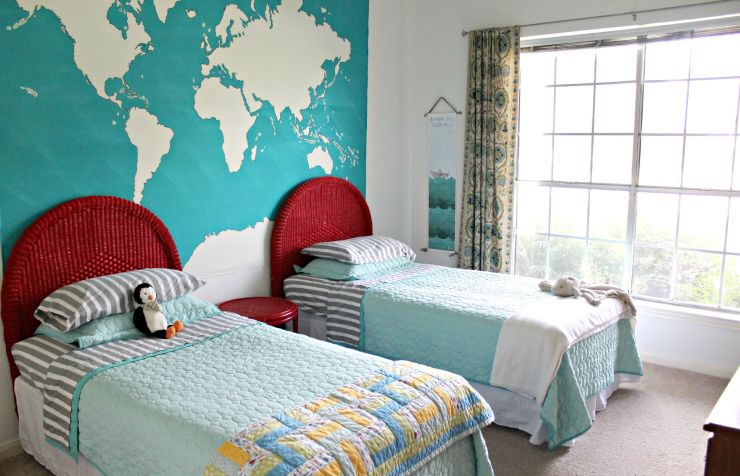 _the_world_map_on_the_wall_in_the_nursery_091348_