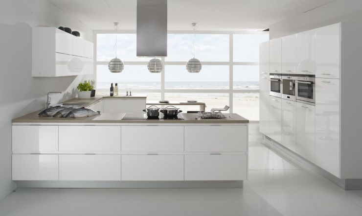 fascinating-home-interior-small-kitchen-design-with-modern-white