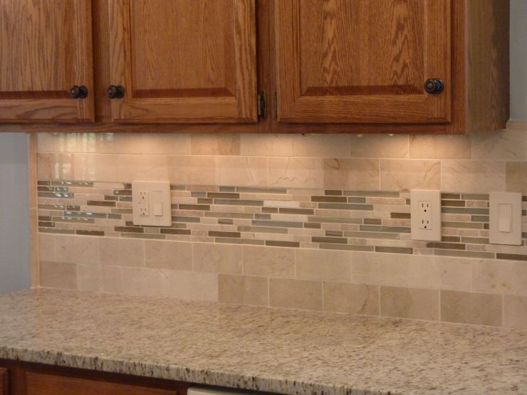 kitchen-interior-kitchen-backsplash-made-of-beige-ceramic-tiled-mixed-glass-mosaic-subway-tile-ceramic-tile-for-kitchen-backsplash