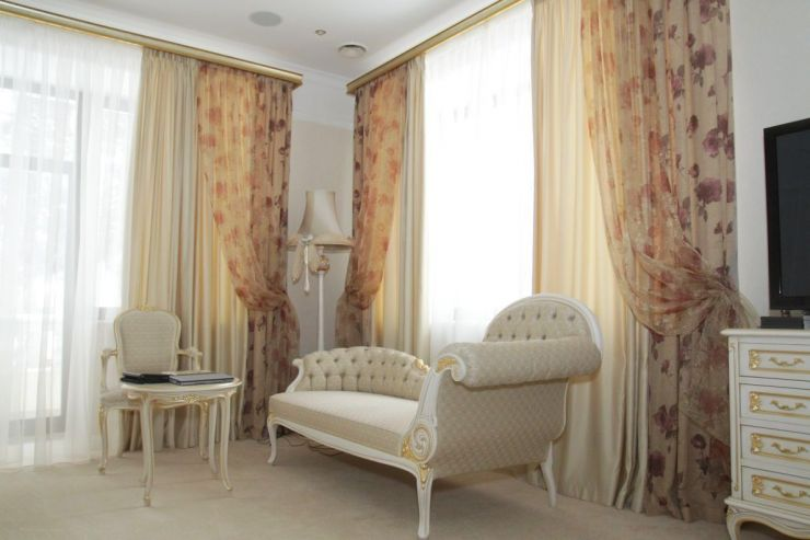 Beige curtains (14)