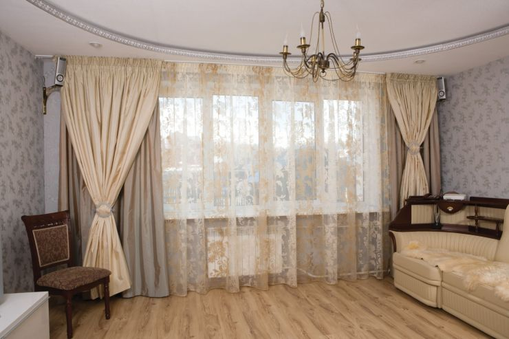 Beige curtains (25)